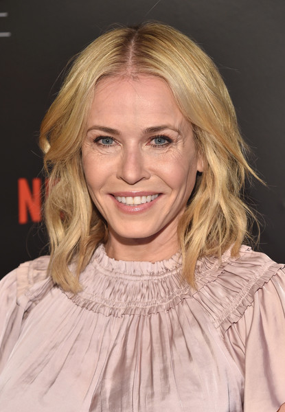 Chelsea Handler Medium Wavy Cut [hair,face,blond,hairstyle,eyebrow,layered hair,chin,lip,long hair,brown hair,chelsea handler,netflix comedy panel for your consideration,beverly hills,california,netflix fysee space,netflix,for your consideration,red carpet,event]