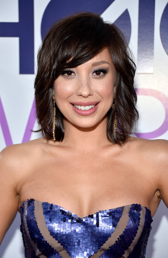 Cheryl Burke Medium Wavy Cut With Bangs Shoulder Length