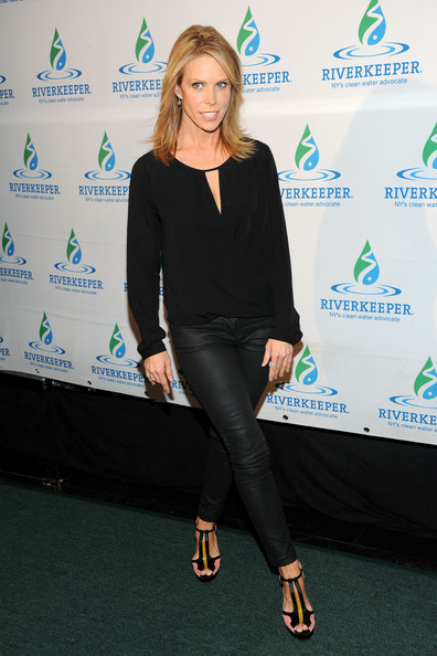 Cheryl Hines Clothes