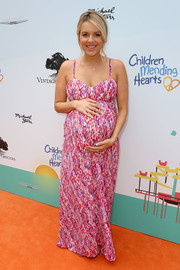 Ali Fedotowsky chose a floor-length, color-speckled maternity dress for the Empathy Rocks event.