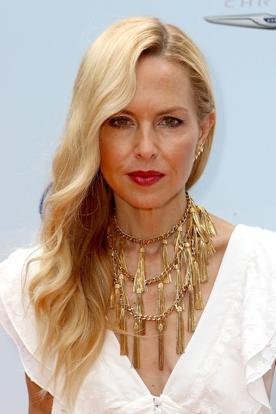 Rachel Zoe dressed up her look with a statement-making gold tassel necklace.