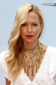 Rachel Zoe wore her long blonde waves glamorously swept to the side at the Empathy Rocks event.