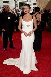 Selena Gomez looked like a sultry bride in her white Vera Wang cutout gown during the Met Gala.