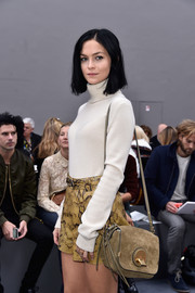 Leigh Lezark attended the Chloe runway show with her hair styled in a crisp medium-length bob.