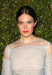 Mandy Moore's rich orange lip color totally brightened up her beauty look during the Chloe LA fashion show and dinner.