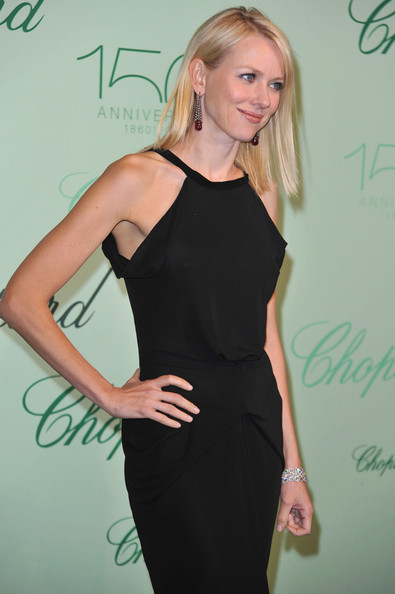 More Pics of Naomi Watts Medium Straight Cut (4 of 7) - Naomi Watts Lookbook - StyleBistro