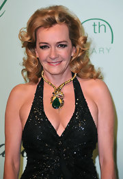 Caroline donned a stunning collar necklace while strutting her stuff at the Chopard party.