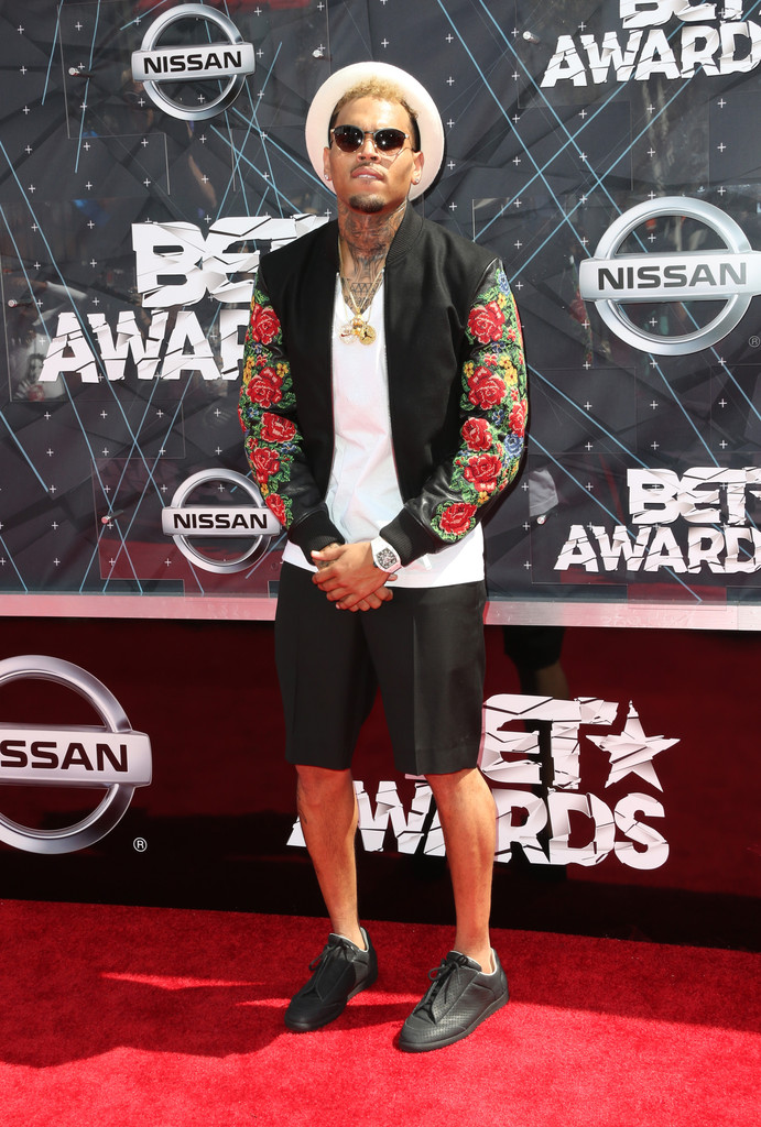 chris brown looks stylebistro