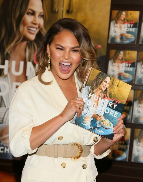 Chrissy Teigen Oversized Belt [book,cravings: hungry for more,book,product,fashion,fashion design,chrissy teigen,chrissy teigen signs,copies,california,los angeles]