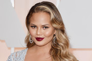Chrissy Teigen Retro Hairstyle