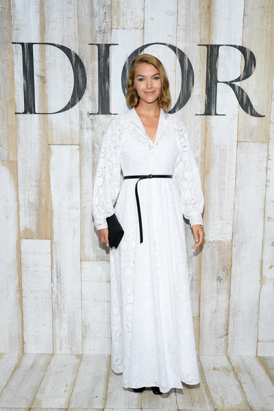 Arizona Muse looked angelic in a white maxi shirtdress by Dior during the label's Cruise 2019 show.