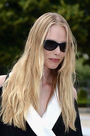 Tanya showed off her beachy blonde hair at the Christian Dior Haute Couture show.