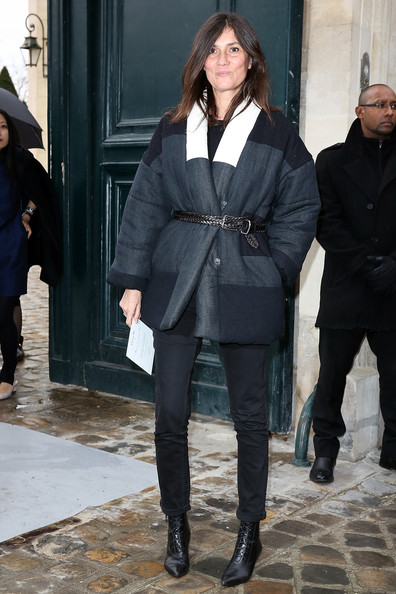 Emmanuelle Alt bundled up in chic style with a tricolor down jacket during the Christian Dior fashion show.