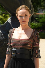 Kate Bosworth's oversized leather belt added major edge to her dainty dress at the Dior Couture Fall 2018 show.