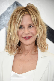 Meg Ryan worked a messy wavy lob at the Christian Siriano fashion show.