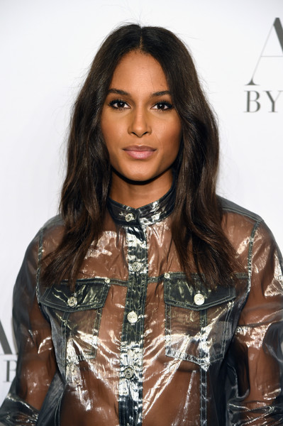 Cindy Bruna was gorgeously coiffed with this center-parted 'do at the 'Angels' by Russell James book launch.