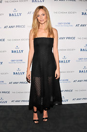 Heather stunned in this embroidered strapless dress, which she wore to the NYC screening of 'At Any Price.'