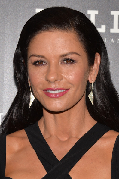 Catherine Zeta-Jones kept her raven tresses looking smooth and shiny at the NYC screening of 'Red 2.'