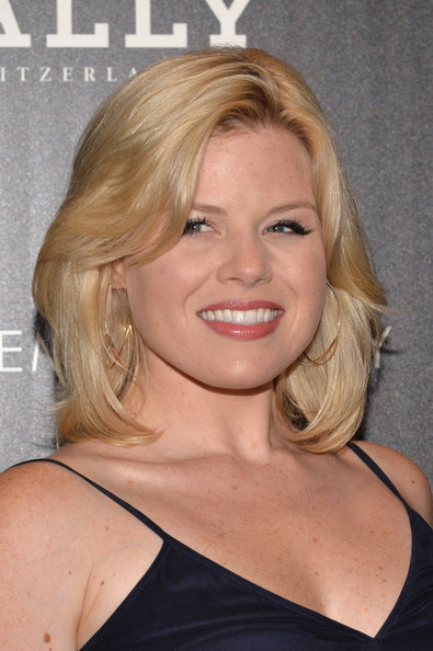 Megan Hilty stuck to her classic platinum blonde layers for the 'Red 2' screening in NYC.
