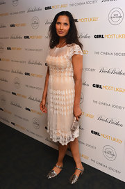 Padma's soft nude and white lace dress had a light and romantic feel to it.