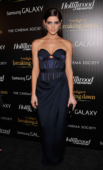 More Pics of Ashley Greene Side Sweep (1 of 12) - Ashley Greene Lookbook - StyleBistro