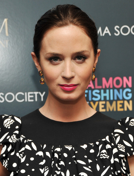 More Pics of Emily Blunt Dangling Gemstone Earrings (1 of 15) - Emily Blunt Lookbook - StyleBistro
