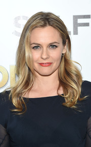 Alicia Silverstone topped off her look with a sweet wavy hairstyle for the screening of 'The Bronze.'