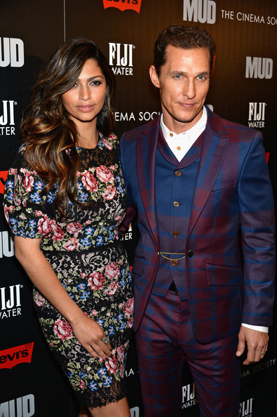 More Pics of Camila Alves Long Wavy Cut (2 of 14) - Long Wavy Cut Lookbook - StyleBistro