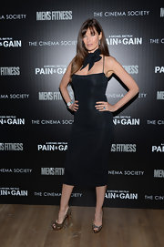 Carol Alt showed off her rocking figure with a sleek and straight LBD.
