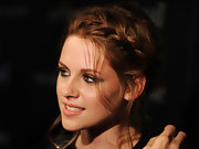 Kristen showed off a loose braided bun while hitting a screening of 'Twilight Saga Eclipse'.