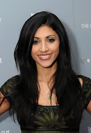 Reshma Shetty wore her hair in a side-parted layered style for the screening of 'The Ghost Writer.'