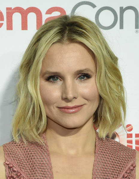 kun aguero hairstyle : More Pics of Kristen Bell Short Wavy Cut (3 of 42) - Short Hairstyles ...