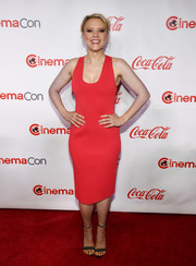 Kate McKinnon was svelte and sexy in a fitted red frock by Narciso Rodriguez at the 2018 CinemaCon Big Screen Achievement Awards.