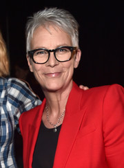 Jamie Lee Curtis looked hip with her silver pixie at CinemaCon 2018.