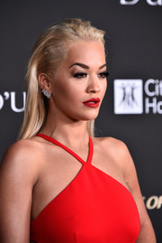 Rita Ora looked punky wearing this straight 'do with a messy top at the City of Hope Gala.