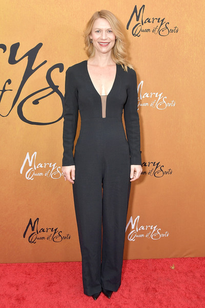 Claire Danes Jumpsuit [claire danes,mary queen of scots,clothing,suit,pantsuit,red carpet,carpet,formal wear,premiere,tuxedo,dress,outerwear,new york,paris theater,premiere,premiere]
