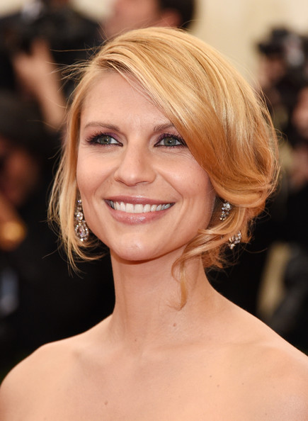 Claire Danes Bobby Pinned updo