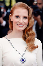 Jessica Chastain looked completely elegant with a perfectly styled wavy 'do.