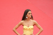 Model Izabel Goulart attends the closing ceremony and