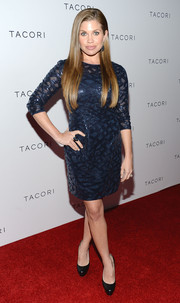 Danielle Fishel looked downright elegant in a beaded blue cocktail dress during the Club Tacori event.