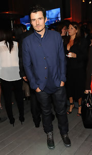 Orlando Bloom opted for a cool and casual look at Coach's CDF event when he sported a pair of classic-fit blue jeans.