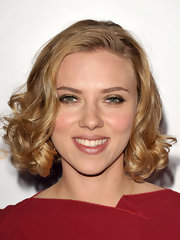 Scarlett Johansson styled her honey-hued bob in soft curls for the Children's Defense Fund benefit.