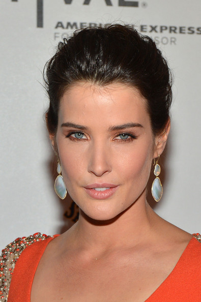 Cobie Smulders Dangling Diamond Earrings
