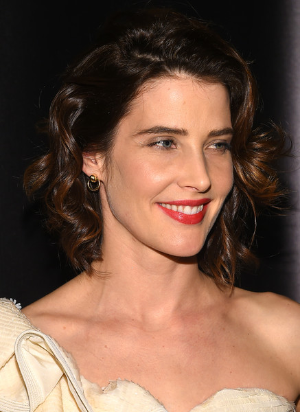 Cobie Smulders Short Curls [hair,eyebrow,hairstyle,face,chin,lip,shoulder,beauty,skin,brown hair,arrivals,cobie smulders,new york city,nyu skirball center,lucille lortel awards]