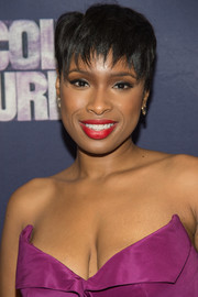 Jennifer Hudson looked cool wearing this layered razor cut at the Broadway opening of 'The Color Purple.'