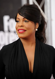 Niecy styled her hair in a swept back elegant ponytail for the 'For Colored Girls' New York premiere.