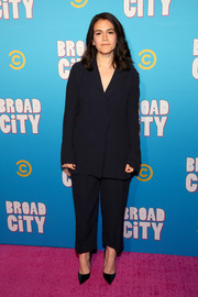 Abbi Jacobson went conservative in a loose black pantsuit at the 'Broad City' season 5 premiere party.