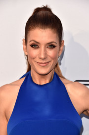 Kate Walsh slicked her hair back into a super-neat ponytail for the Comedy Central Roast of Rob Lowe.