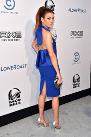 Kate Walsh slayed in a royal-blue halter dress by Peggy Hartanto at the Comedy Central Roast of Rob Lowe.