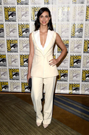 Morena Baccarin donned a sleeveless cream-colored pantsuit for the 20th Century Fox press room at Comic-Con.